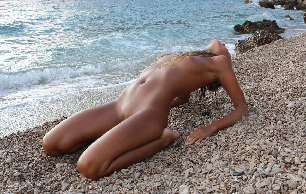 Teen nackt mädchen